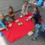 Grondhouding 7 : Zorg voor jezelf,  samen picknicken is zalig!