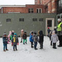Sneeuwpret op het Kerkplein .