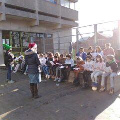 De happy voices zingen voor Kerst!