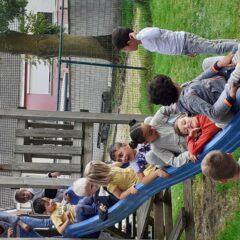 Onze vriendjes van het eerste leerjaar terug op bezoek in onze wijkafdeling.