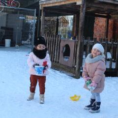 Warme jassen in de koude ….sneeuw !!